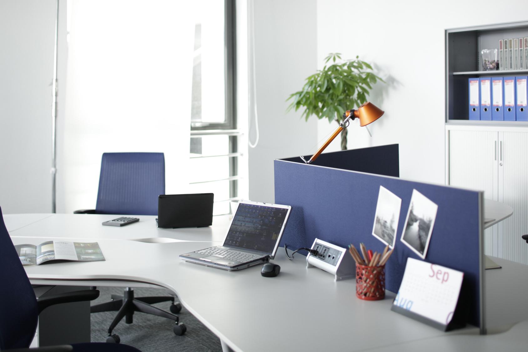 株式会社マテリアルプラスが運営するホームページ制作サイト「fukuyamawork.com」 50サイトの施工実績から解った「集客手法」が支持されています。